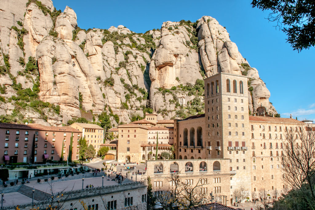 Montserrat, tapas & wine
